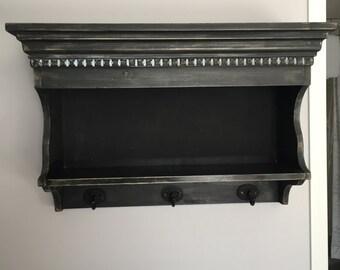 Wall mount Shaker cabinet.