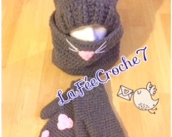 Set cat, hat, scarf and mittens crochet