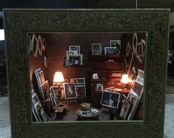 Dollhouse Miniature Frame and Print Shop