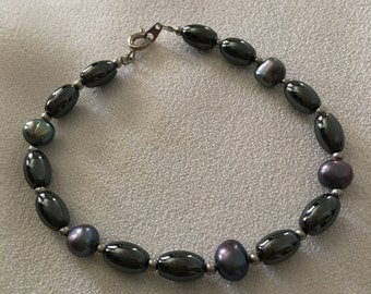 Freshwater pearl and hematite bracelet