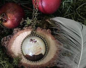 Retro antique cabochon necklace