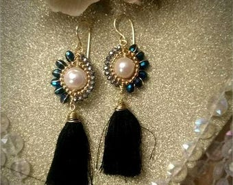 Earrings of pearls with Bobbles