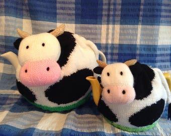 Dairy cow tea cosy