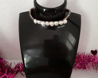 wiring with freshwater pearl Choker.