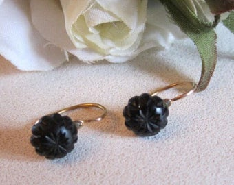 "1890's Antique ""sleeper"" earrings in 18kt yg & carved jet beads"