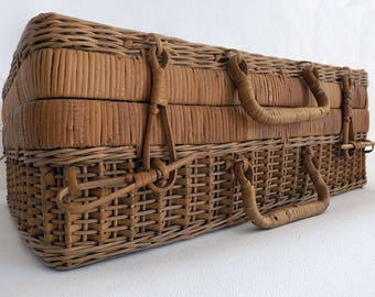 Suitcase in wicker and bamboo - Suitcase of wicker and bamboo