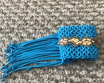 Bracelet woven yarn and applications