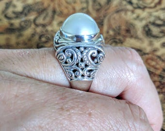 Antique Style, Mabe Pearl Ring, size 7 3/4 US, 925 Sterling Silver, DIVINE!! Vintage Style, Filigree, June Birthstone, White, Lustrous