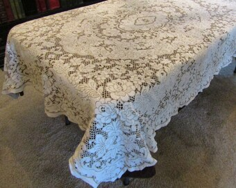 Vintage Floral Ivory Lace Tablecloth