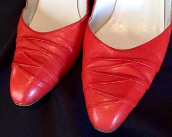 Vintage Evan Picone red leather heels Made in Italy, sz 8.5