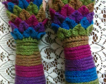 """Crocheted """"dragon scale"""" long fingerless gloves / arm warmers size S/M"""