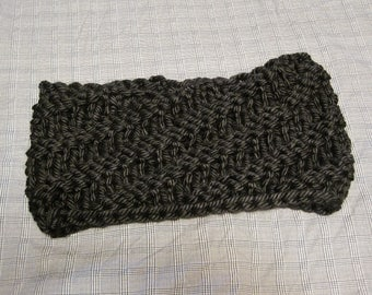 Spiral Knitted Cowl, Super Bulky