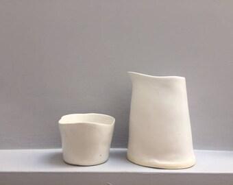 Ceramic milk and sugar set