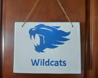 hand painted kentucky wildcat sign