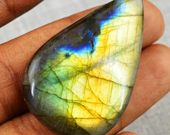 lovely color labradorite cabochon gem