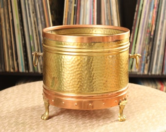 """footed vintage copper & hammered brass planter cache pot, made in Holland  Rio Tiel . 7"""" tall and wide brass planter with claw feet"""