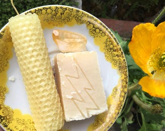 WOOD & CLOVE - Vegan Shampoo and Soap Bar with Intentional Beeswax Crystal Candle