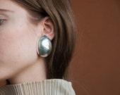 silver oversized egg earrings / geometric earrings / modernist earrings / 1346a