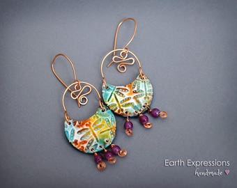 Rustic chic and Swirly.  Bohemian style dangle earrings. Polymer clay, light weight, colorful and modern. Hammered wire.
