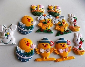 Lot of Plastic Chickens Bunnies Flower Baskets Easter Magnets