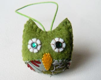 Mini Green Owl woodland ornament - READY TO SHIP