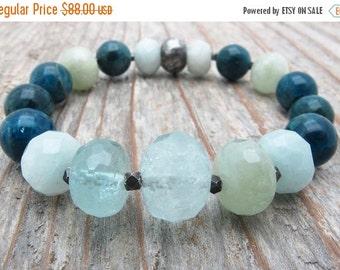 aquamarine bracelet, apatite bracelet, blue gemstone bracelet, stretch bracelet, March birthstone, March birthstone gift, gift for her