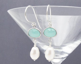pearl earrings, aqua earrings,  sea foam earrings, beach wedding jewelry, aqua bridesmaid earrings, wedding jewelry, gift for her,