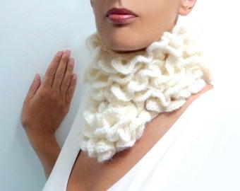 Crochet Chunky Scarf - Mohair Ruffle Scarflette - Romantic, Boho Neckwarmer - Custom Color / Made to Order - LITTLE PIERROT