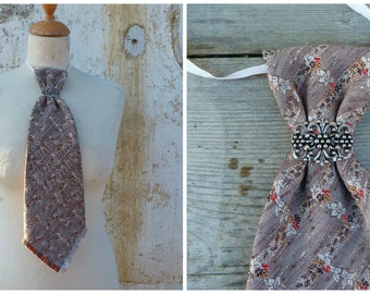 Vintage Tyrol short  tie for men or women adorned with a filigree metal part