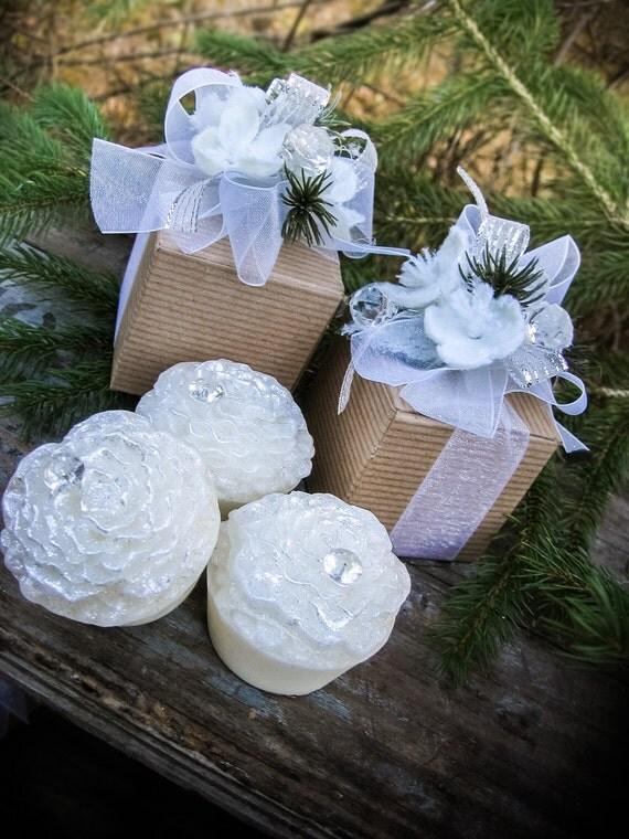 White Carnation Flower Soap, Wedding Soap, Shower Favor, Flower Favor, White Flower, Vintage Wedding, Hostess Gift, Holiday Gift, Winter