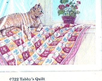 Tabby Cat Quilt Creative Circle 722 80s Needlecraft kit unopened Designed by Lynda Fenneman Finished size 8 X 16