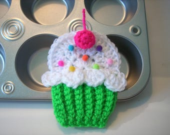 Cupcake applique Lot of 4 green white frosting pink cherry sprinkle crochet string into Birthday Party Banner use on hat headband purse bags