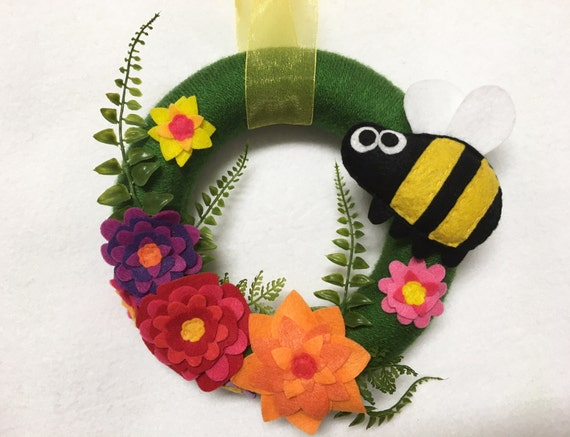 Bee Wreath, Summer Wreath, Honey Bee, Bumble Bee, Flower Door hanger, Hostess Gift, Housewarming, Wall Art, Wall Hanging