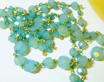 40 Inch Long Graduated Bead Necklace, Mint Green Glass bead Necklace, Ladies Vintage Necklace