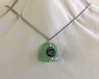 Green Swirl bead necklace