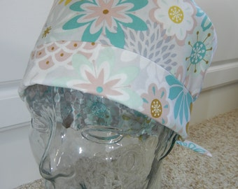 Tie Back Surgical Scrub Hat in Dusty Flower