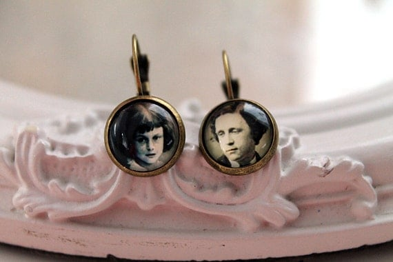 Alice in Wonderland Lewis Carroll   earrings Victorian sweet lolita feminine leverback