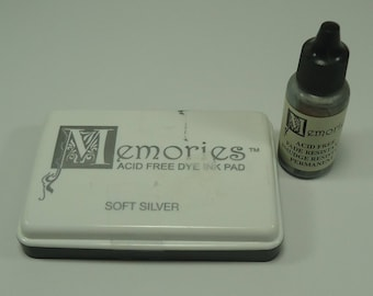 Memories Stamp Pad And Reinker Soft Silver