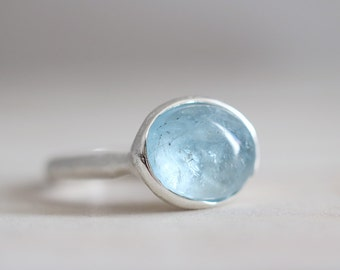 Aquamarine ring. Sterling silver ring with natural Aquamarine. Aquamarine cabochon, Blue Aquamarine, blue gemstone ring, aqua silver ring.