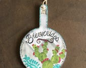 Bienvenidos decorative cutting board-aqua