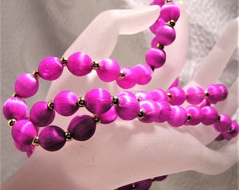 Vintage Retro Necklace Purple Magenta Fuchsia Satin Beads 28 Inches Long. Spun Silk Bead Necklace with Gold Colored Spacer Beads. (D11)