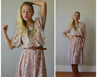 25% OFF SALE 1970s Rose Brush Day Dress >>> Extra Small to Medium