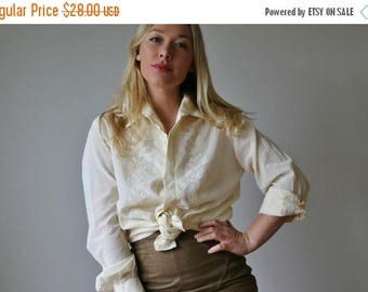 25% OFF SALE 1960s Buttercream Blouse >>> Small to Medium