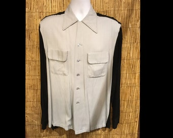 Vintage 1950s reproduction Hollywood Rogue two tone with top stitch shirt Size small