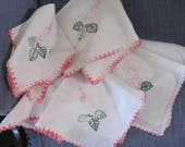 Set 5 Vintage Linen Table Topper Cloth and 4 napkins Embroidered Floral linen