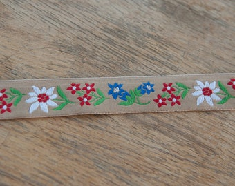 1.5 yards Embroidered Vintage Trim- Floral 60s 70s New Old Stock Tan Background