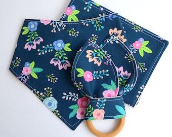 Baby Gift Set, Drool Bib, Burp Cloth, Natural Wooden Teething Set, Navy Floral, Baby Girl Shower Gift, Modern Baby, Bandana Bib