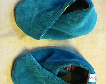 All Organic Velvet Jersey Geo Funky Reversable Baby Crib Shoes 0-6 months