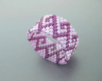 Seed Bead Ring  / Peyote Ring / Beaded Ring in Fuchsia and Lilac / Delica Ring / Beadwork Ring / Peyote Band / Beadwoven Ring /