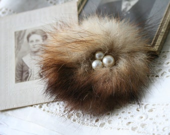 Birds Nest BROOCH - Vintage Fur, Pearls